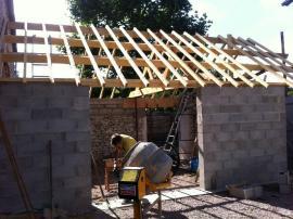 création d un garage deux pentes en bois charpente traité